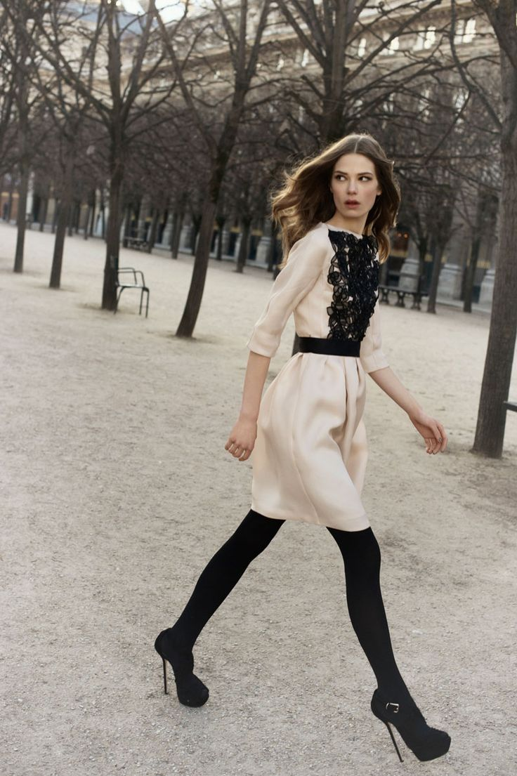 Dior is divine!: Black Lace, Dior Pre Fal, Christian Dior, Black And White, Christiandior, Fashion Week, Outfit, Black Tights, The Dresses