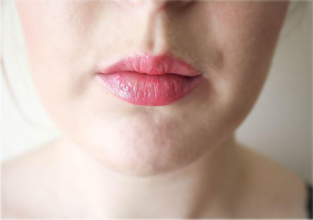 Kiss care love lipbalm {07 fruity beauty} #makeup #makeupaddict #makeuplook #beauty #beautyblogger #bblog #bblogger #fotd #makeupproducts