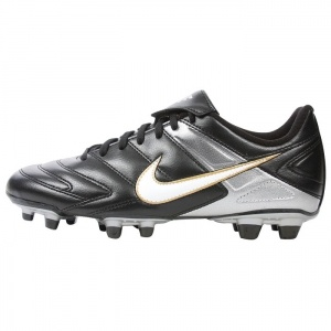 SALE - Kids Nike Park II Football Cleats Black Synthetic - Was $40.00 - SAVE $20.00. BUY Now - ONLY $19.99