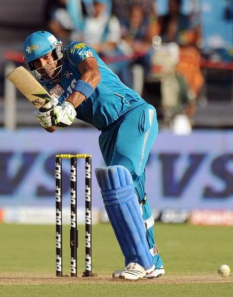 Pune Warriors India batsman Robin Uthappa plays a shot during the IPL Twenty20 cricket match between Pune Warriors India and Delhi Daredevils at The Sahara Stadium in Pune on April 24, 2012.