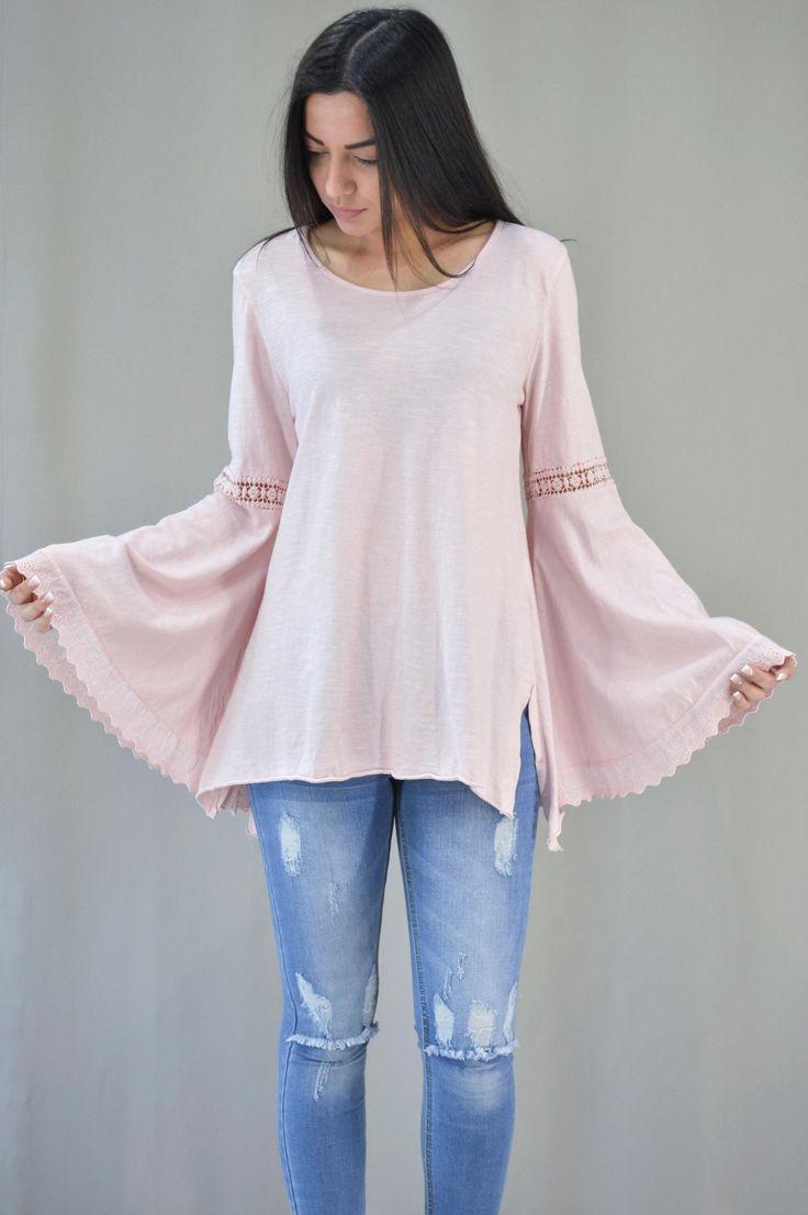 Γυναικεία μπλούζα με καμπάνα μανίκι | Μπλούζες - Μπλούζες και Ρόζ