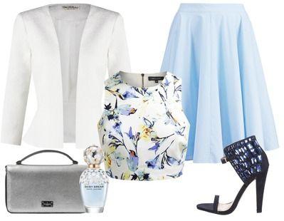 Een frisse zomerse look voor een zonnige dag. De lichtblauwe midi rok is in combinatie met de crop top lekker luchtig, ideaal voor als het zonnetje schijnt. Ga je 's avonds nog weg dan is het jasje perfect voor het geval dat het wat afkoelt.