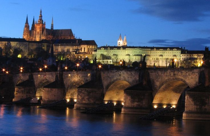 Loved Prague, one of my favourite paintings in my house was purchased from an artist on this bridge: Ancient Castles, Favorit Place, Favorite Places, Charles Bridges, Beautiful Places, Place I D, Crowns Jewels, Prague Czech Republic, Prague Castles