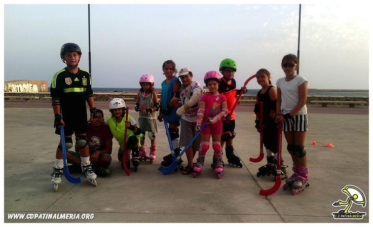 Alumnos de las clases de patinaje infantiles en Almería después de echar un partido de hockey en patines! www.cdpatinalmeria.org  #clases #patinaje #patines #infantil #niños #cursos #club #escuela #patinalmeria #almería