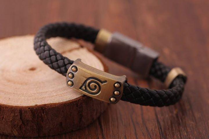 Bracelet #naruto Marron en cuir et Acier.Taille: 21cm