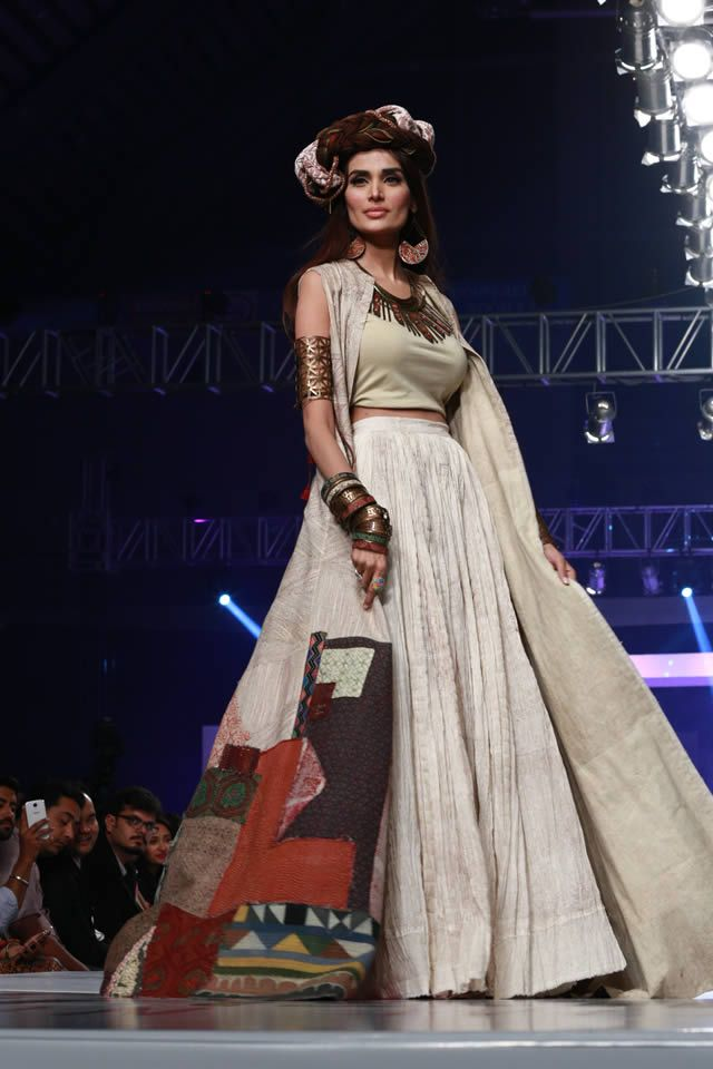 Shubinak 'Pakistan United' at Collection PFDC Sunsilk Fashion Week 2015