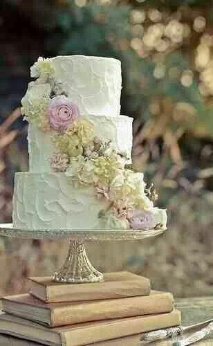 Beautiful rustic wedding cake!
