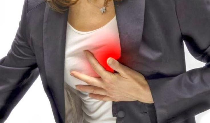7 Signos de un ataque al corazón que las mujeres necesitan saber - Vida Lúcida