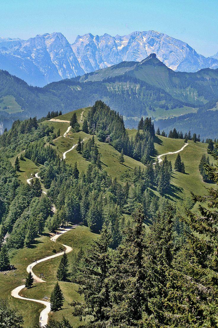 View from Zwoelferhorn Cross. St. Gilgen, Salzburg, Austria. #Oostenrijk #bergen #landschap #natuur #uitzicht