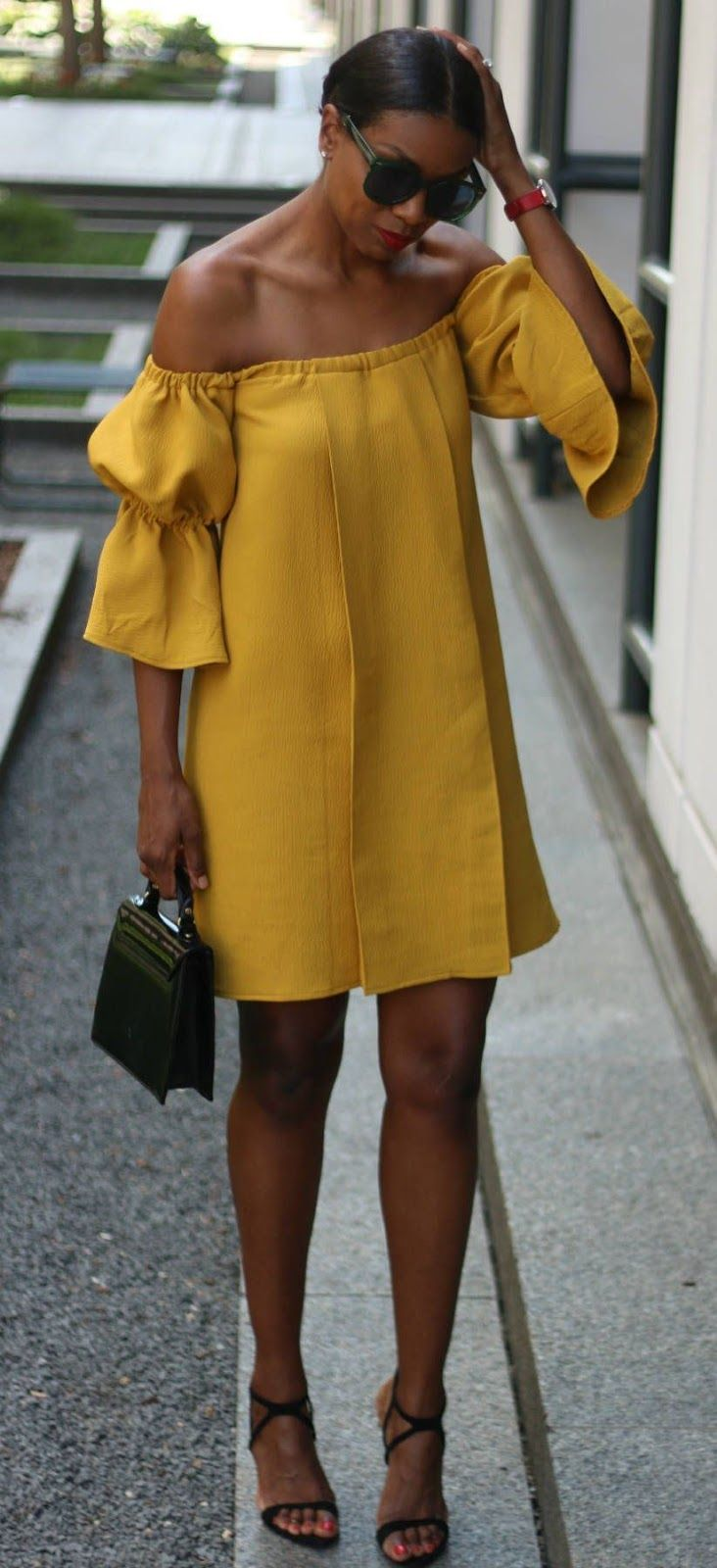 http://www.burdastyle.com/projects/off-the-shoulder-exaggerated-sleeve?image=430520
