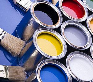Краска содержит акриловую смолу, пигмент и разнообразные добавки, влияющие на устойчивость нанесенной полимерной пленки к внешним воздействиям