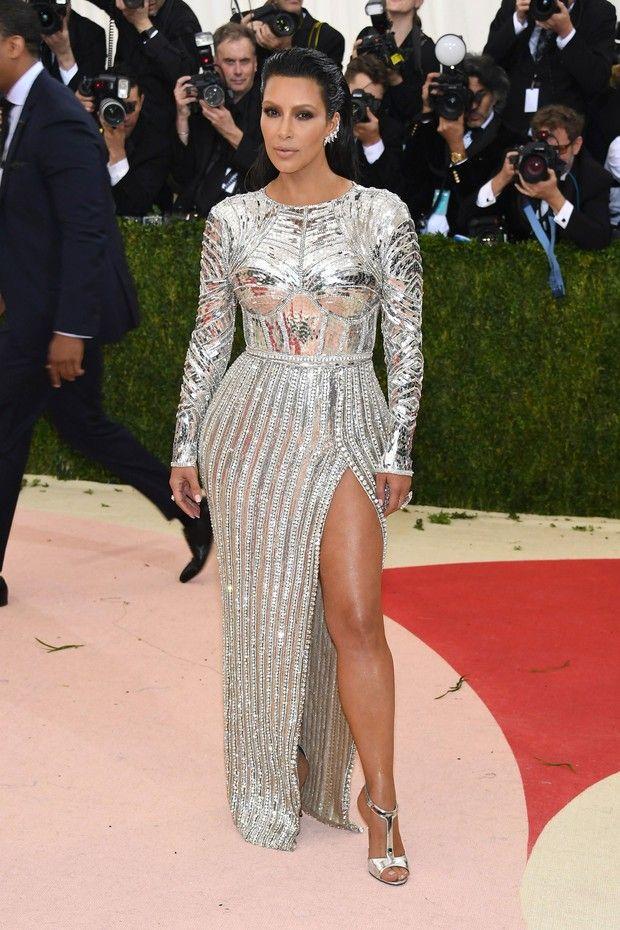 Kim Kardashian de Balmain (Foto: Getty Images)