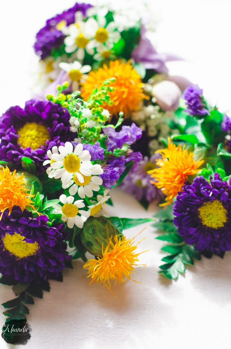 fresh flowers for the wedding. british summer time inspired wedding inspiration
