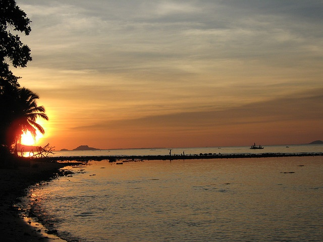 Sunset in Sulu. 2009. Flickr.com. Web. 4 May 2013.