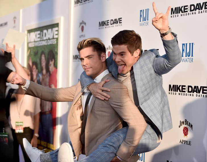 Pin for Later: 18 Times Zac Efron and Adam DeVine Took Their Bromance Off Screen When They Thought Up the Perfect Friendship Pose on the Spot