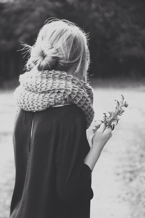 { low sock bun + loose shirt + chunky scarf }
