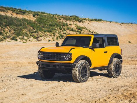 Jeep Wrangler Discover The Two Door 2021 Ford Bronco Has The Jeep Wrangler In Its Sights Roadshow After A Quarter