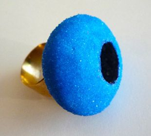 "Annamaria Zanella ring ""Blu Boll"" gold, silber, glass microspheres, iron powder, mother pearls powder, 37 x 33 x 37 mm"