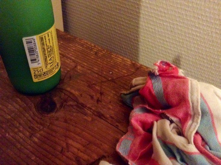 sur du bois brut enlever les traces de feutre avec du jus. Black Bedroom Furniture Sets. Home Design Ideas