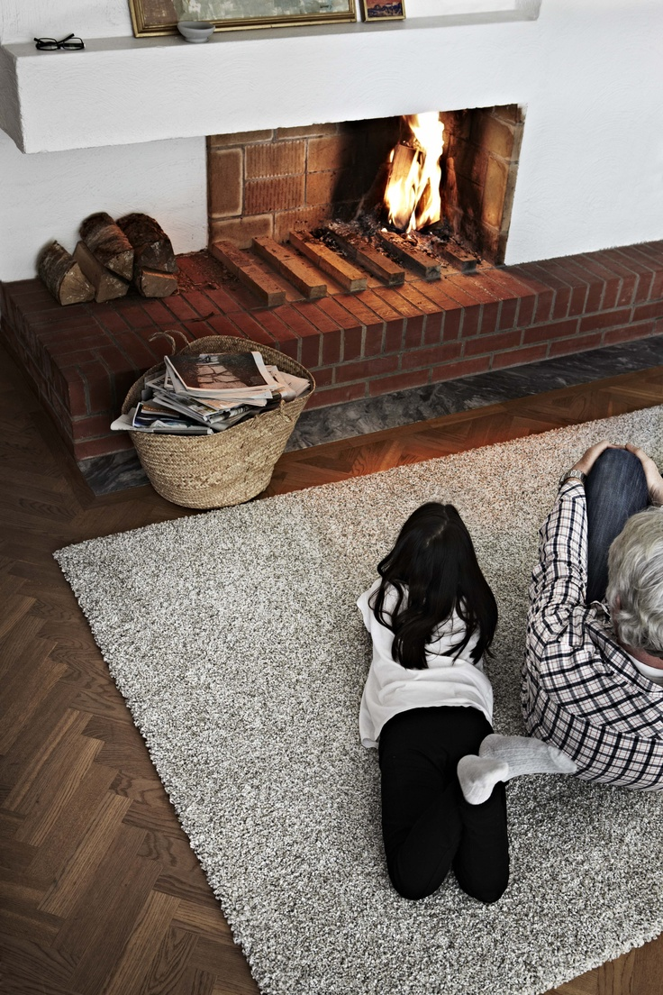 The VITTEN rug is hand-knotted by skilled craftsmen, and
