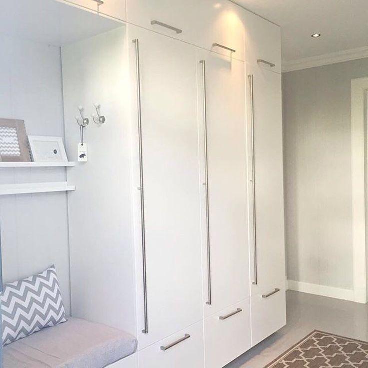 pin by lu bric on deco mobilier de salon meuble entr e. Black Bedroom Furniture Sets. Home Design Ideas