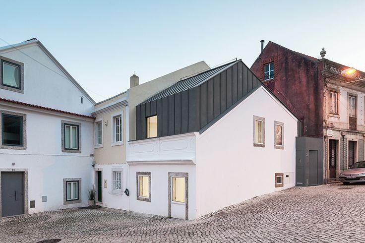 Humberto Conde, architecte installé à Lisbonne au Portugal, livre l'extension et…
