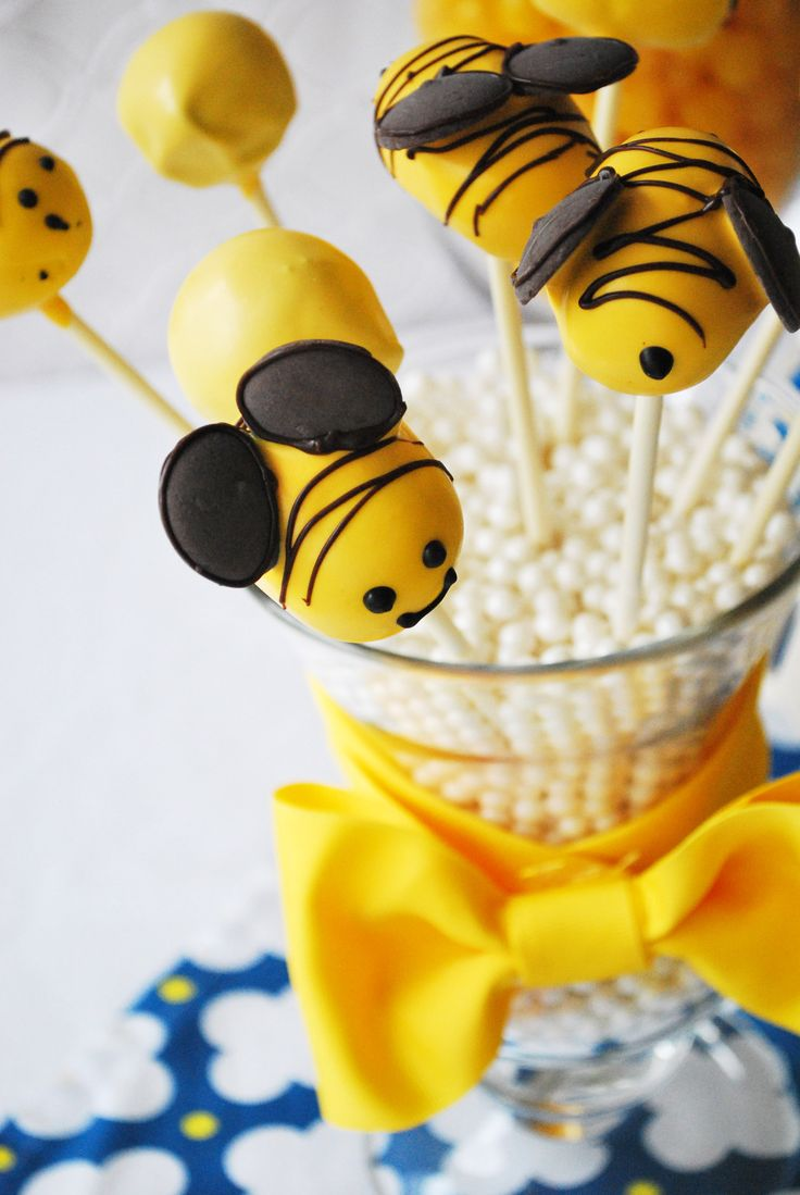 Bumble Bee Cake Pops For Party