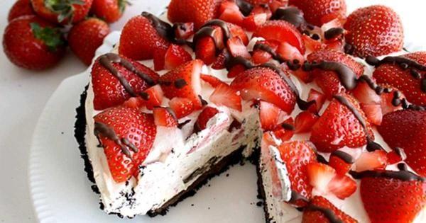 Τάρτα ψυγείου με βάση oreo, κρέμα τυριού και φρέσκες φράουλες !