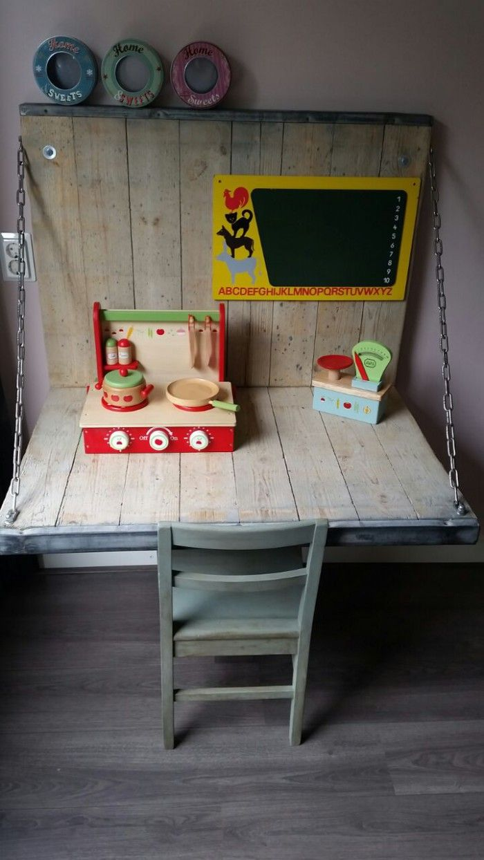 Een bureau van een steenschot voor een robuuste uitstraling