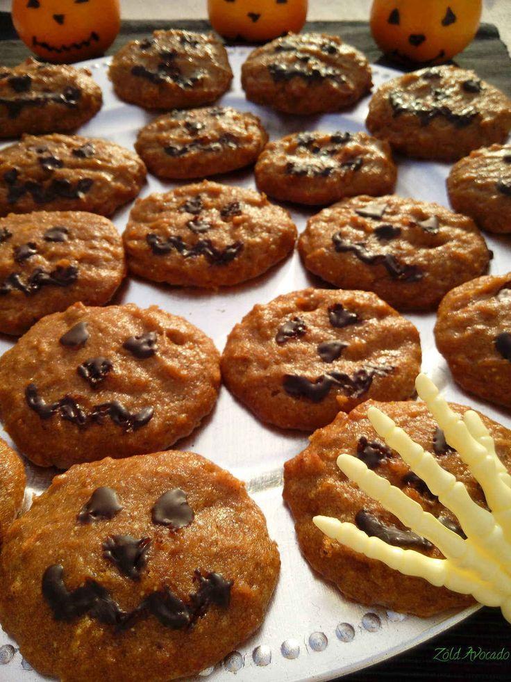 halloweeni sütőtökös keksz (laktózmentes, tojásmentest, vegán) / Recept / sütőtök, édesítőszer, teljeskiőrlésű tönköly búzaliszt, szódabikarbóna, lenmag, olívaolaj