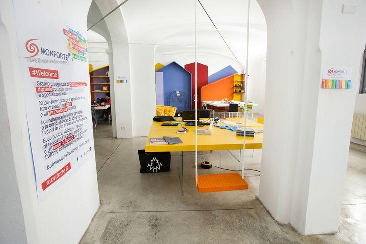 Colori, emozioni… Monforte! #Ufficiomanifesto #Lago #Arredamento #Cowork #Design #Fuorisalone #Tortona #Colori #sedie #Tavoli #work #Altalena #Monforte