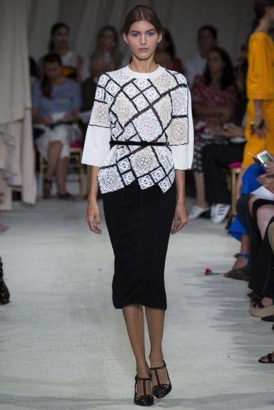 Oscar de la Renta #SS16 is as classic as ever, with a few surprising touches drawing on inspiration from Hispanic society.
