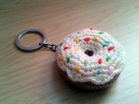 """Llavero amigurumi """"Donut Homer Simpson"""""""