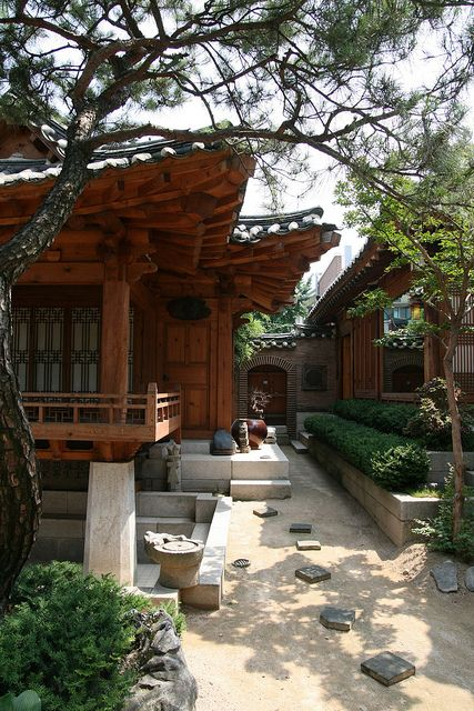 Hanok by Paul Matthews in Korea - I like the way the outdoors weaves between the buildings. #architecture #garden  자연재질의 부드러운 빛반사