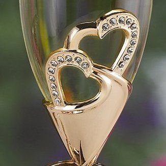detalles de copas en oro rosa, con detalles en cristales tipo swarovski #ondinecollection #copasconestilo #boda #bodasconestilo #bodasbonitas