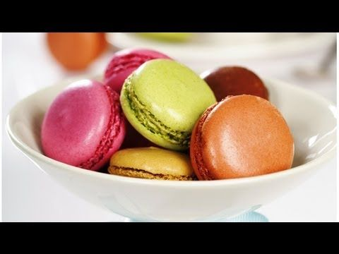 HOW TO MAKE FRENCH MACARONS - RECIPE - YouTube