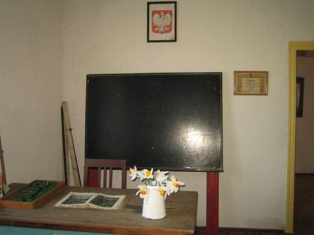 Obraz z http://www.prusinowice.szkola.pl/pic/muzeum/IMG_4164.JPG.