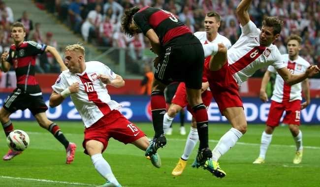 Franek i jego wędrówki: Milowy krok Polski! Wielki, Szczęsny mecz! Przejdz...