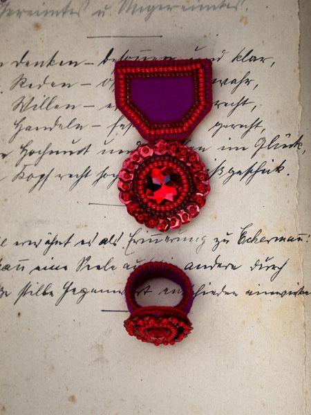 Medal i pierścionek