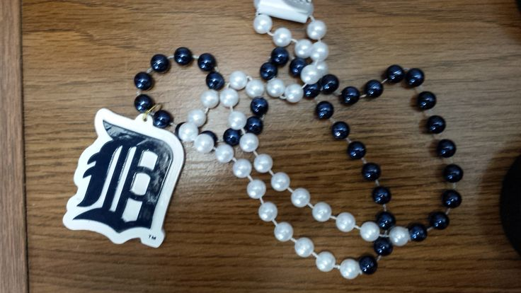 MLB Detroit Tigers Mardi Gras Beads with Medallion