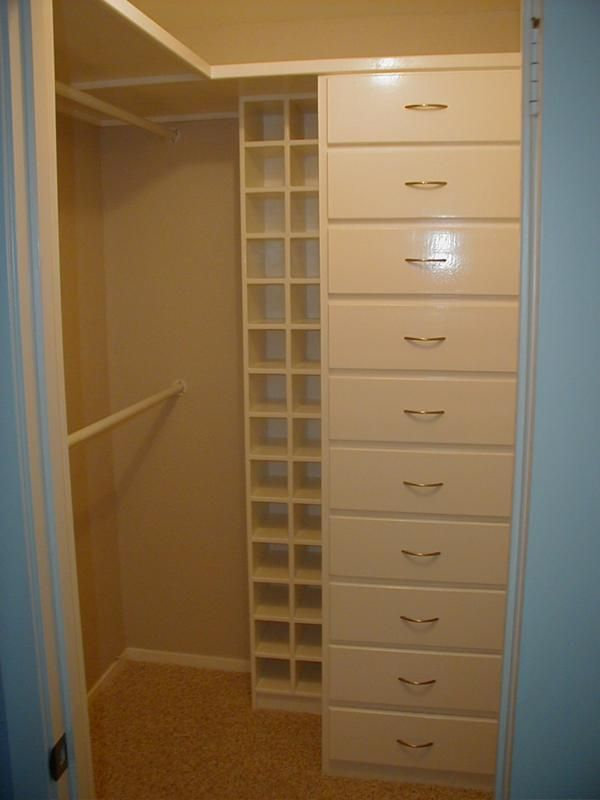 15 best images about closet ideas on pinterest shelves corner shelves and small closet design - Walkin closets for small spaces set ...