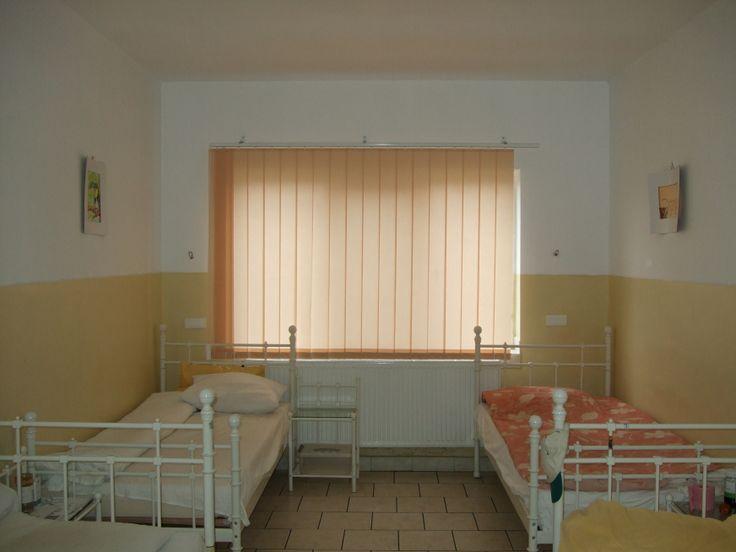 Acest pavilion este dotat cu o centrală termică proprie, băi şi duşuri, televizoare şi a fost construit din fonduri primite de la Consiliul Judeţean Cluj. De asemenea, s-au facut reparaţii curente pe clădirile existente, acestea au fost modernizate, reabilitate astfel încât să corespundă cât mai mult noilor cerinţe  privind cazarea, intimitatea şi recuperarea pacienţilor noştri.