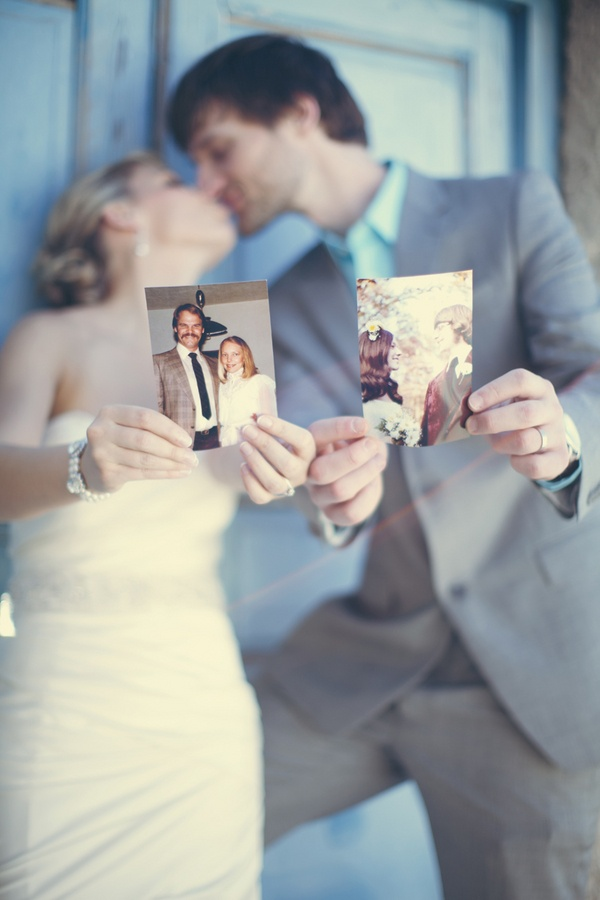 Take a photo with both parents      wedding pics   anna roussos photography Pinterest