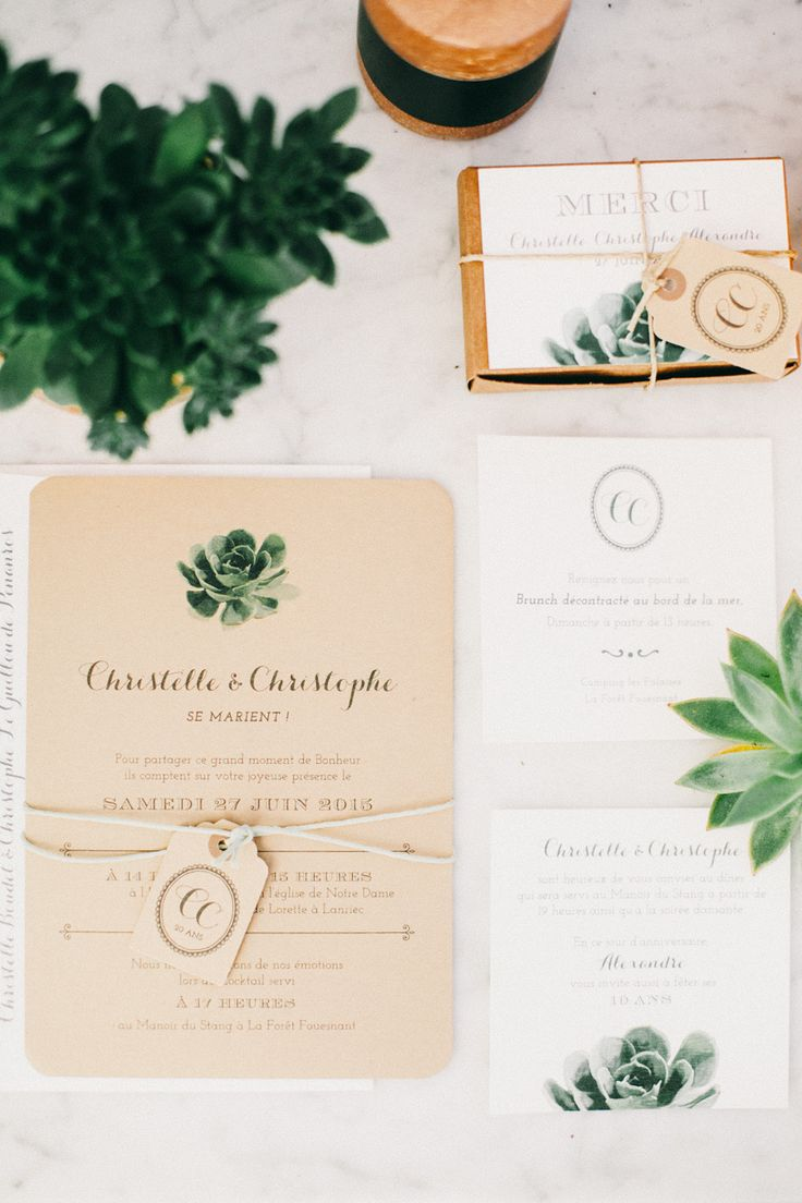 Succulent design wedding paper suite | Photography: Sophie Delaveau