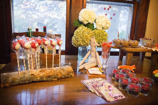 Fox themed party by Nicole Bianchi. Fox cake pops in a log cake pop stand by Aixa Diaz.