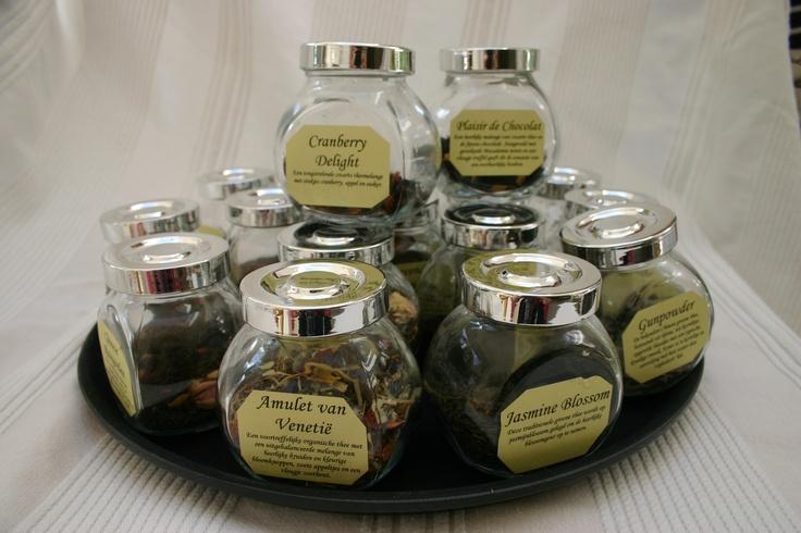 Tijdens een theeproeverij kun je verschillende soorten thee proeven bij Theeschenkerij The Wisple. Meer info? www.thewisple.nl