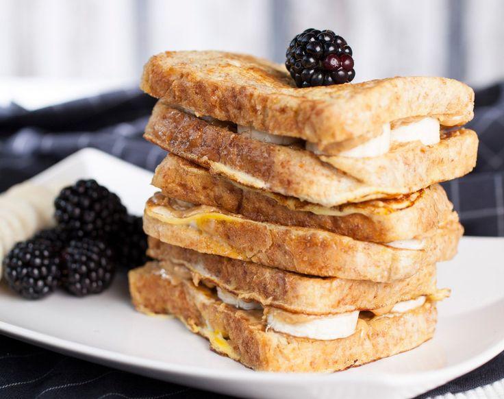 Erdnuss + Banane = ein Fest für die Geschmacksnerven. Unser Rezept für Peanut Butter French Toast aus der Healthy Box lässt Herzen höher schlagen.