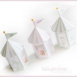 { Gratis print - supersøte bordkort / favorboxes til barnedåp!  rosa // mint // blå // lilla }