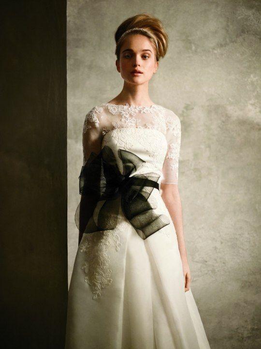 Свадебное платье White by Vera Wang с нежным съемным кружевным топом