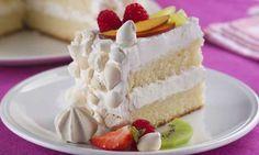 bolo crocante de suspiro e frutas